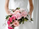 25-gorgeous-ways-to-use-ombre-wedding-flowers-2