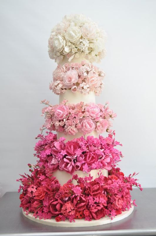 Picture Of gorgeous ways to use ombre wedding flowers  21