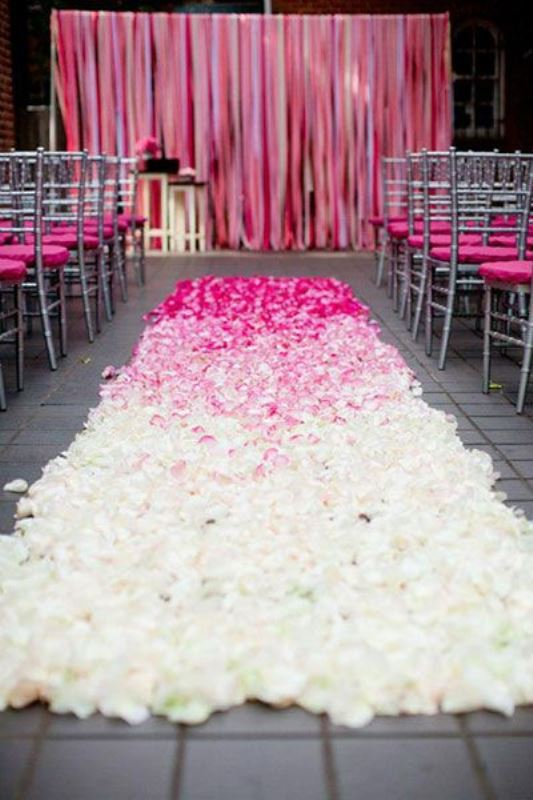 Picture Of gorgeous ways to use ombre wedding flowers  22