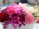 25-gorgeous-ways-to-use-ombre-wedding-flowers-23