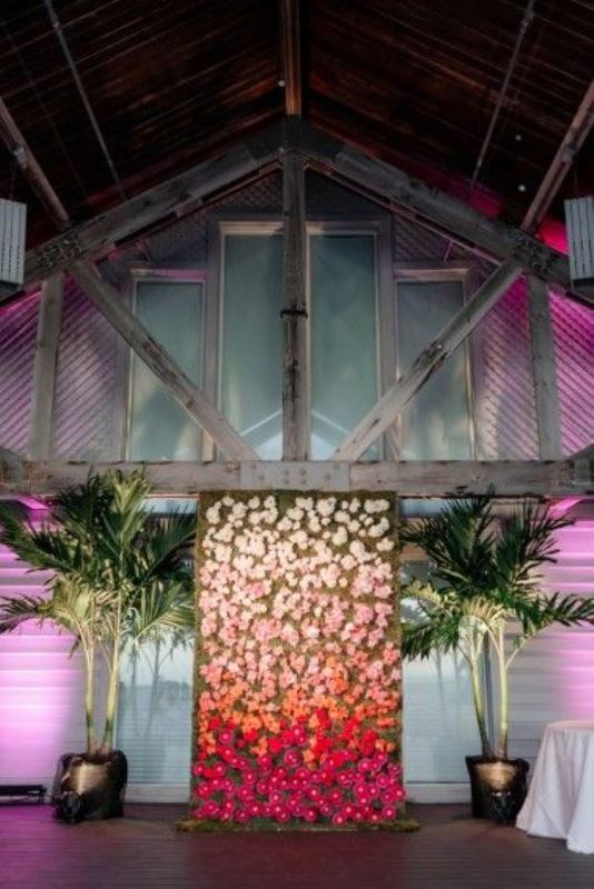 Picture Of gorgeous ways to use ombre wedding flowers  5