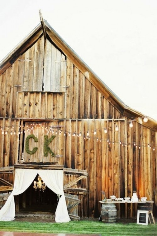 25 Inspiring Barn Wedding Exterior Decor Ideas