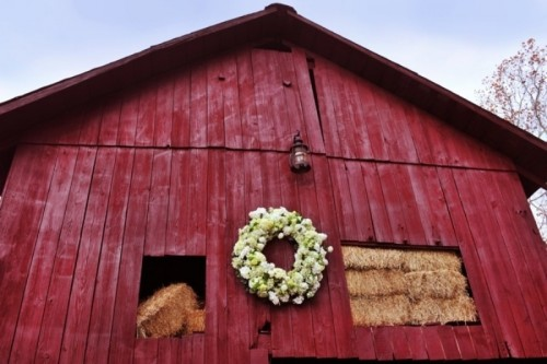 Inspiring Barn Wedding Exterior Decor Ideas