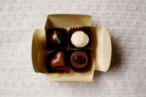 mini boxes with chocolate will please eveyrone who has a sweet tooth