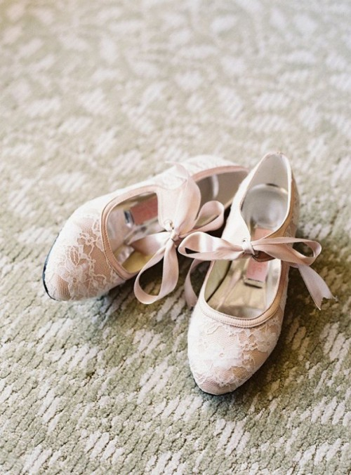 Prettiest Flats For Brides On Their Wedding Day