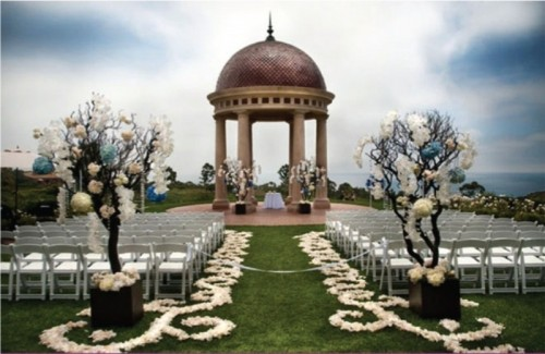 Romantic Wedding Aisle Petals Decor Ideas
