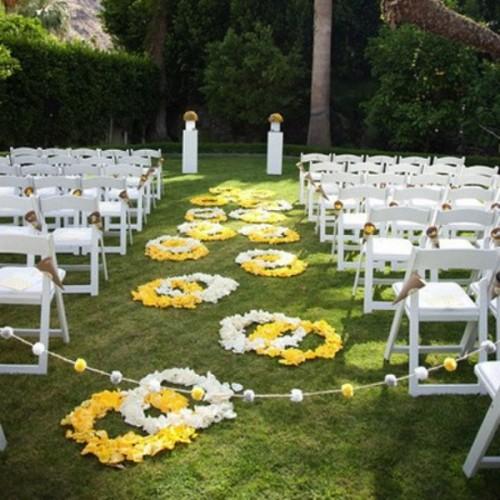Wedding Aisle Decoration Ideas: 25 Romantic Wedding Aisle Petals Decor Ideas