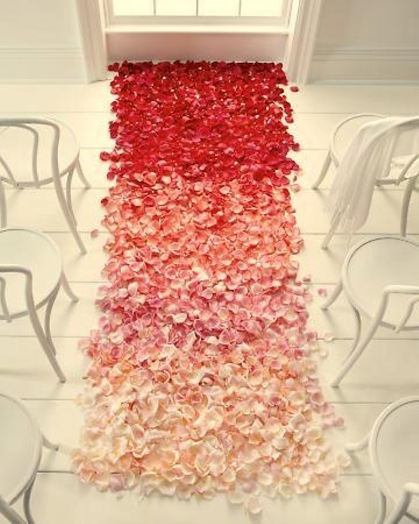 25 Romantic Wedding Aisle Petals Decor Ideas - Weddingomania