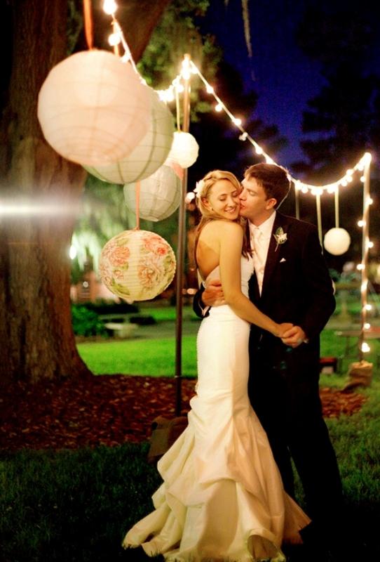 Picture Of stunning lantern wedding lightning and decor ideas  25