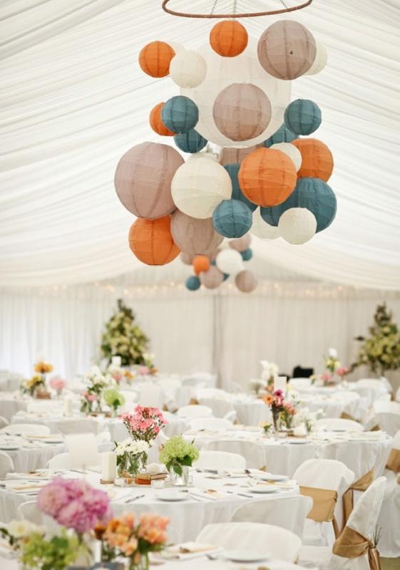 Picture Of stunning lantern wedding lightning and decor ideas  3