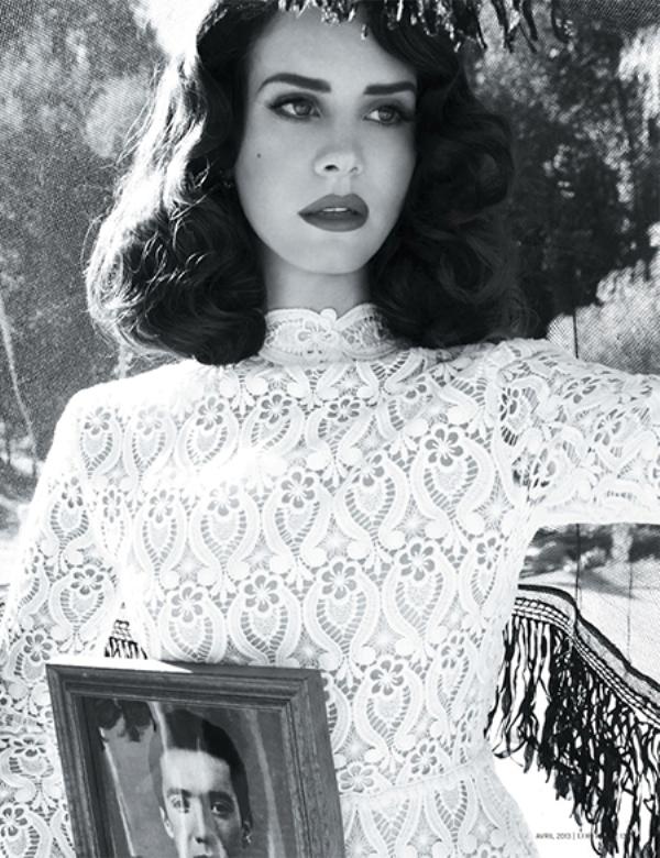 dark vintage curls on medium length hair is one of the favorites of Lana del Rey