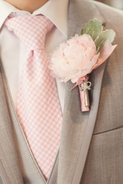 Perfect Ways To Incorporate Vintage Keys Into Your Wedding