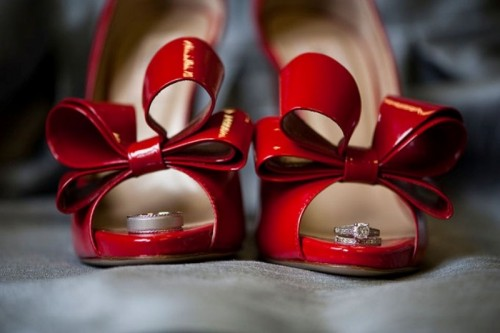 red lacquer bow shoes are great for a bride who isn't ready for a red wedding dress but wants to add some color