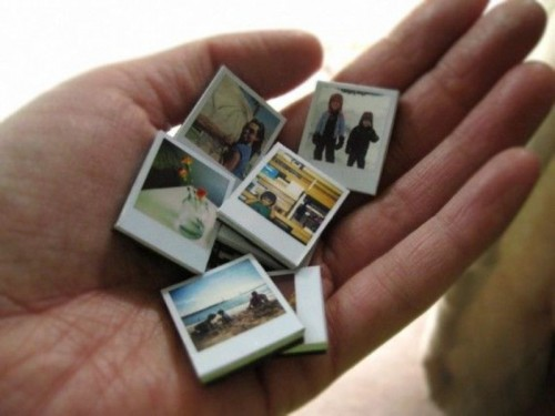 Polaroids turned into small and cute magnets will be a nice wedding favor idea for your wedding