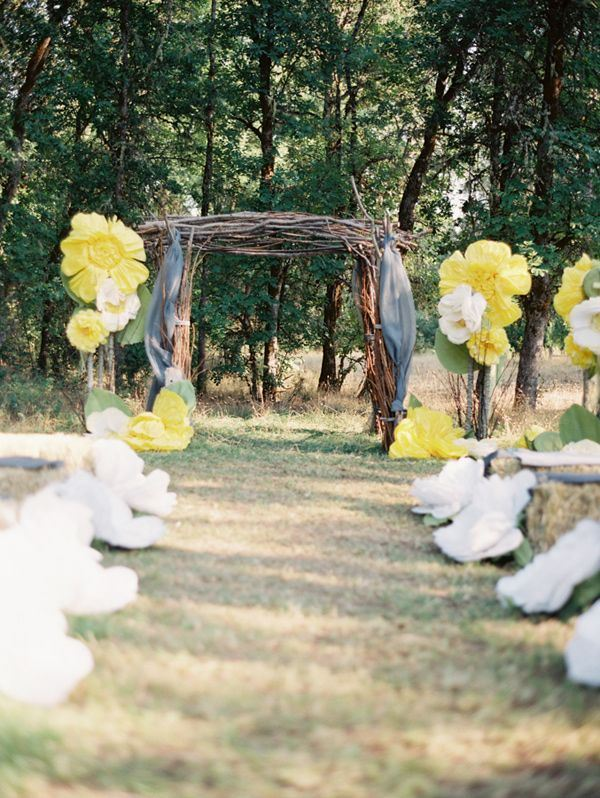 Picture of amazing backyard wedding ceremony decor ideas 17 for Backyard wedding ceremony decoration ideas