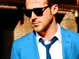 a bright blue suit, a white shirt and a navy tie for a bold and colorful groom's look