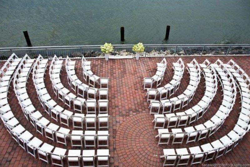 Picture Of clever ways to seat your guests at the wedding ceremony  4