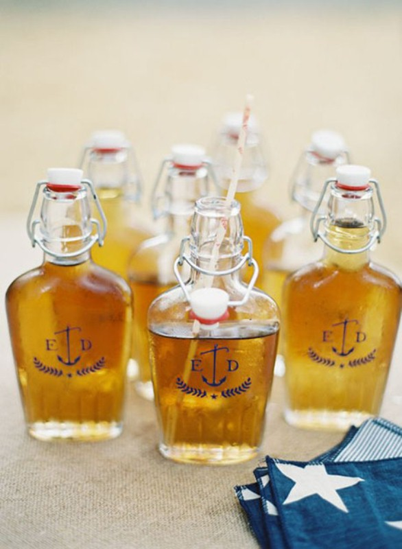 whiskey drinkable wedding favors are amazing as they fit many weddings and styles and themes