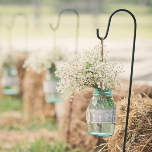 27 creative ways to use mason jars on your wedding day
