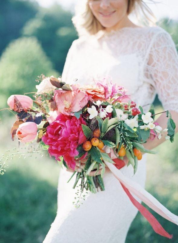 Picture Of fresh and bright kumquat wedding decor ideas  8