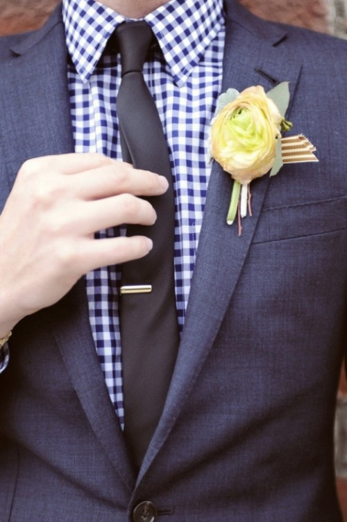 Stylish Groom's Outfit Ideas With Skinny Ties