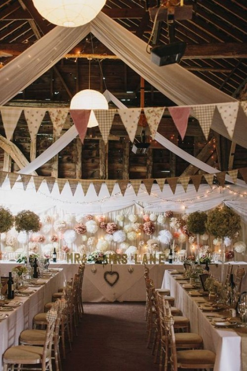 27 Sweet Ways To Decorate Your Wedding With Pennants