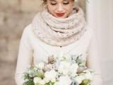 28 Elegant Rustic Winter Wedding Ideas20