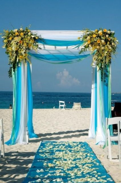 30 Romantic Blue Beach Wedding Ideas Weddingomania
