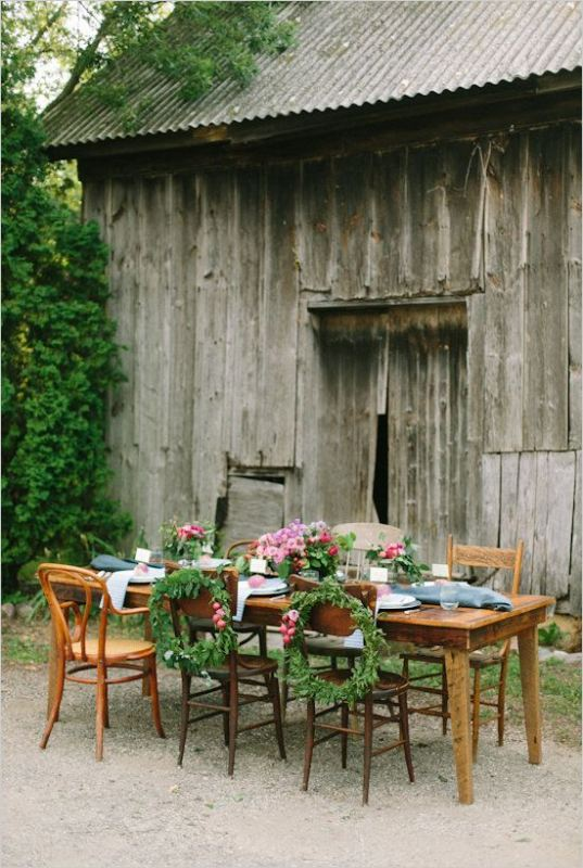 Picture Of awesome backyard wedding tables to get inspired  14