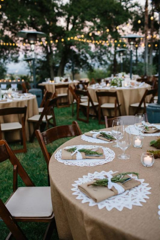 Picture Of awesome backyard wedding tables to get inspired  17