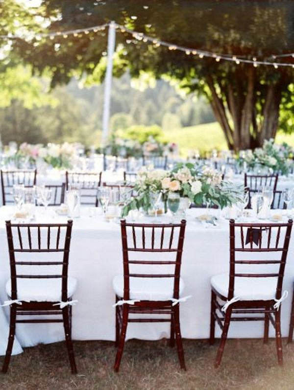 Picture Of awesome backyard wedding tables to get inspired  2