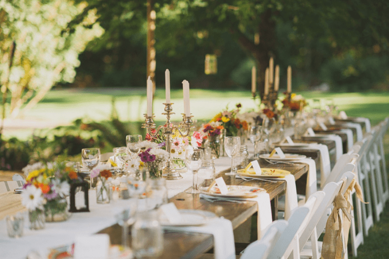 Picture Of awesome backyard wedding tables to get inspired  21