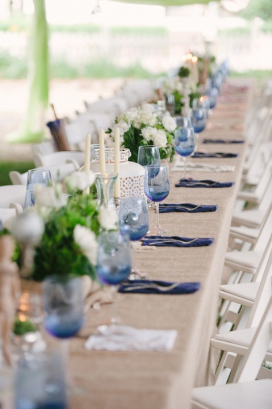 Picture Of awesome backyard wedding tables to get inspired  23