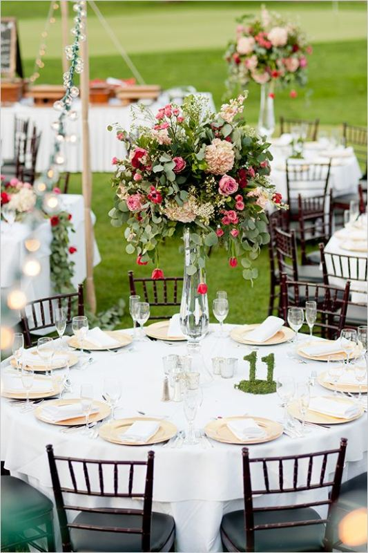 Picture Of awesome backyard wedding tables to get inspired  28