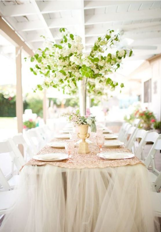 Picture Of awesome backyard wedding tables to get inspired  8
