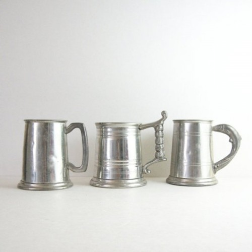 vintage silver beer mugs are ideal for giving them to your groomsmen, especially if you all love tot gather and drink beer