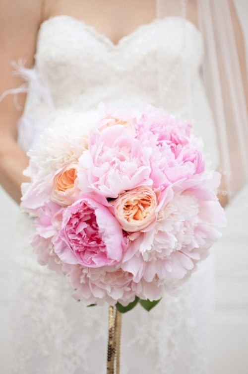 30 Charming One Flower Bridal Bouquets - Weddingomania