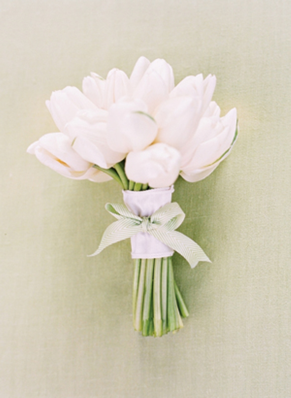 Picture Of Beauteous One Flower Bridal Bouquets