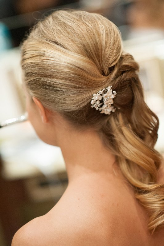 30 Beautiful And Natural Long Wedding Hairstyles Ideas Weddingomania