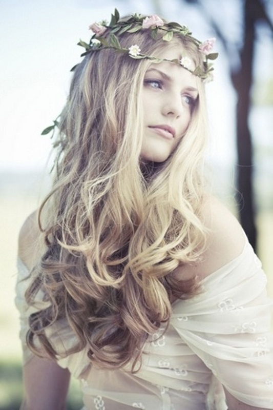 Beautiful Bridal Hairstyles : 30 beautiful and natural long wedding hairstyles ideas weddingomania