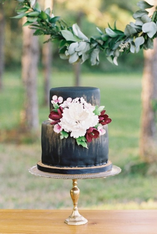 30 Boldly Different And Chic Black Wedding Cakes