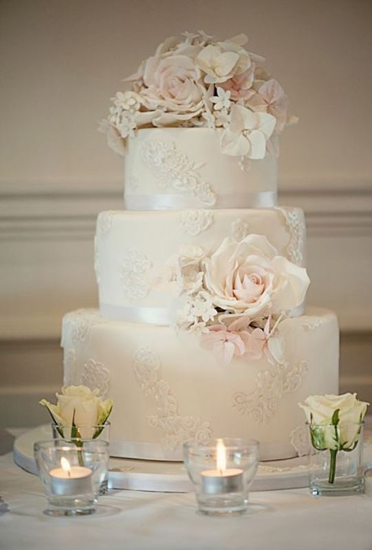 Vintage style wedding  Of chic vintage style wedding cakes with an old world feel 5