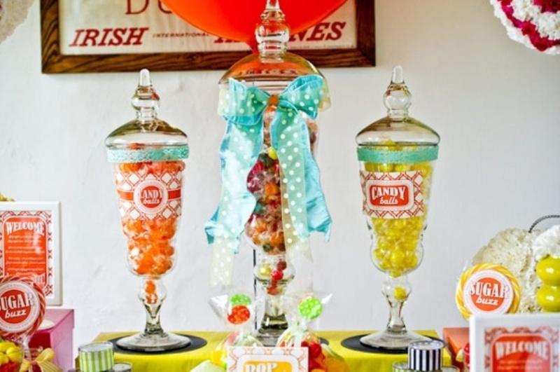 Fun 50 s Retro Theme Ideas. 30 Funny 50s Retro Wedding Theme Ideas   Weddingomania