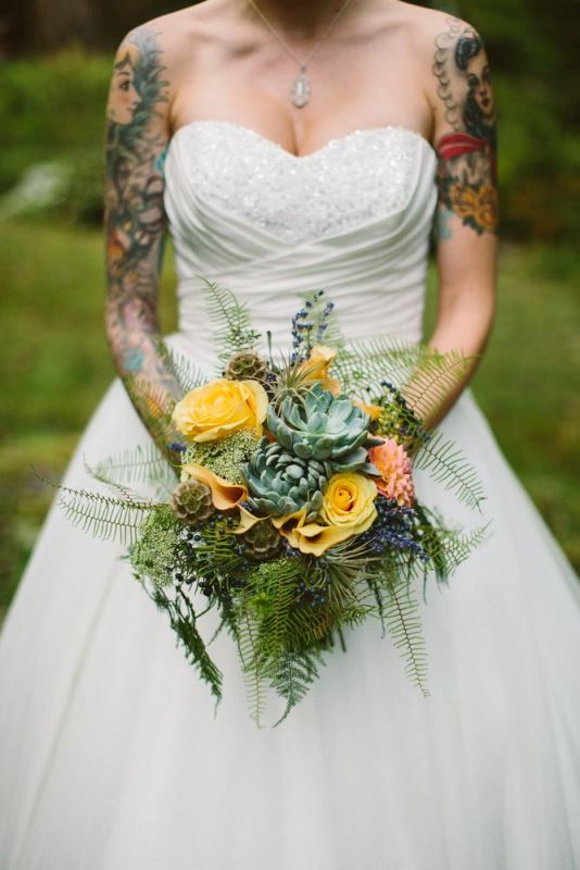 Picture Of gorgeous brides that embrace their tattoos  10