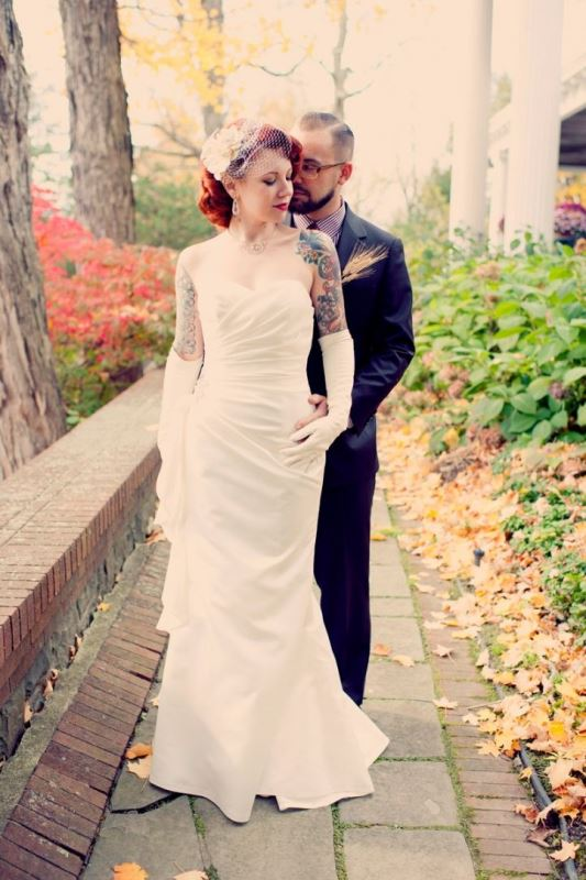 Picture Of gorgeous brides that embrace their tattoos  11