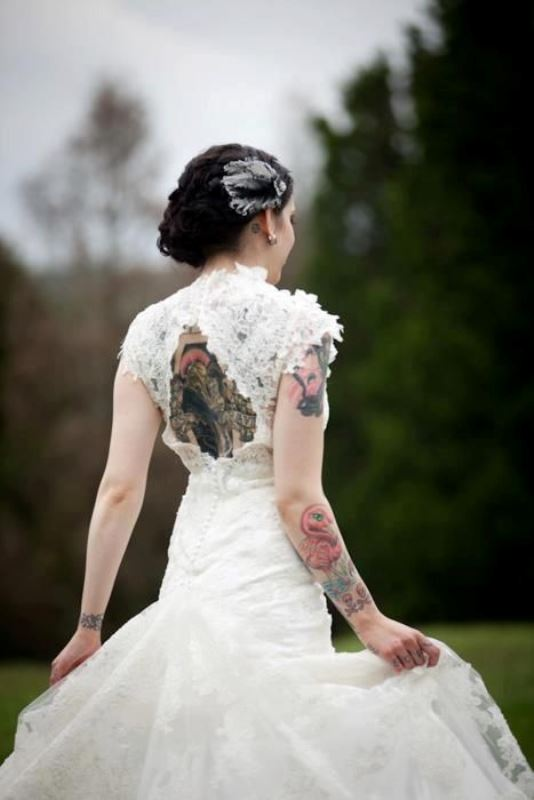 Picture Of gorgeous brides that embrace their tattoos  12