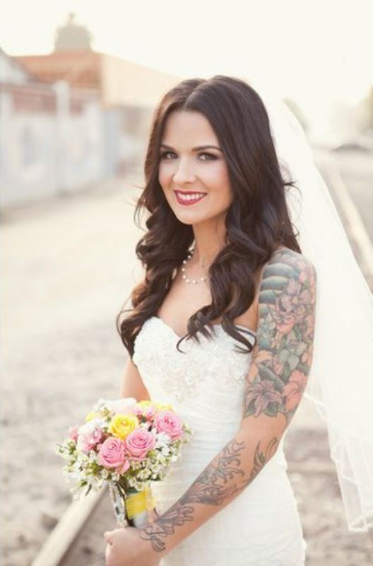 Picture Of gorgeous brides that embrace their tattoos  17