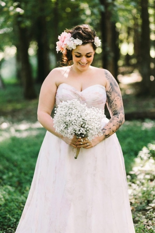 Picture Of gorgeous brides that embrace their tattoos  19