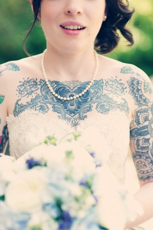 Picture Of gorgeous brides that embrace their tattoos  20