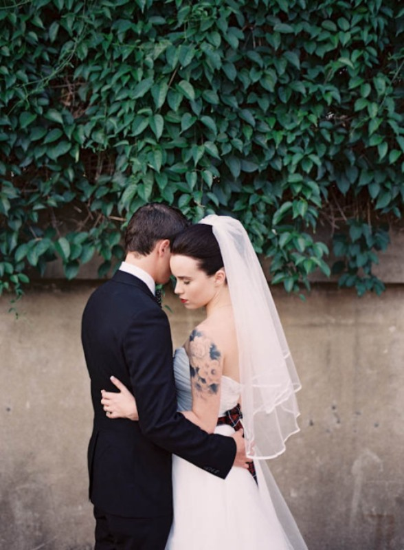 Picture Of gorgeous brides that embrace their tattoos  21